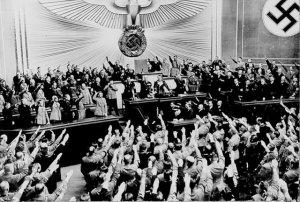 hitler reichstag Kekejaman Hitler Itu Mungkin Ade Hikmahnya
